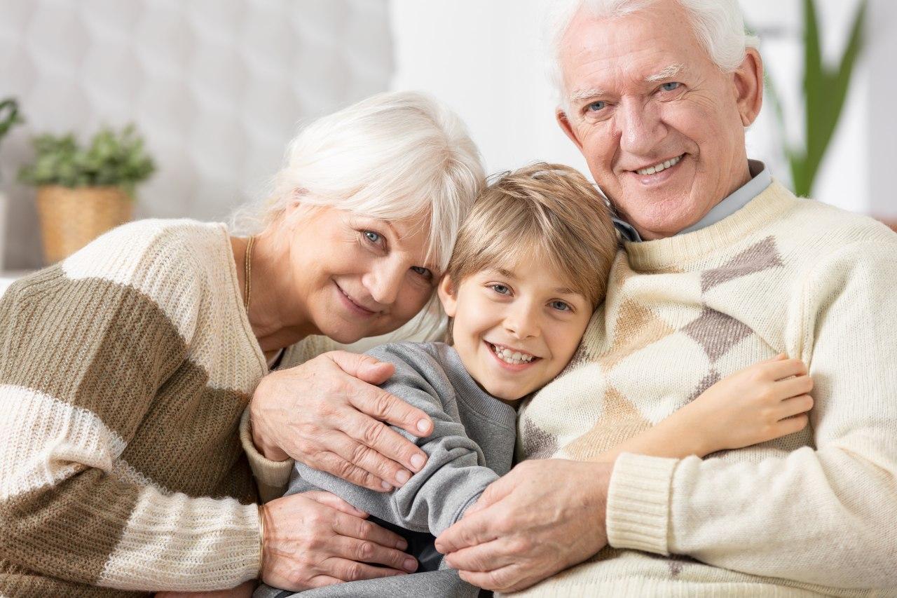 Eltern stehen auf kein Mindestabstand