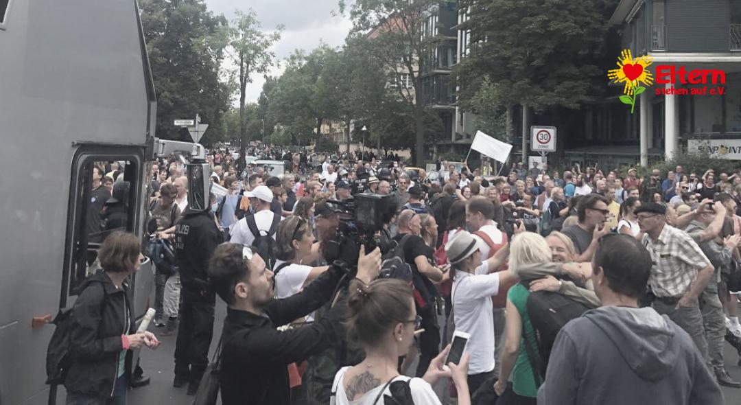 Eindrücke zur Großdemonstration: Aufzug Für Frieden und Freiheit am 1. August 2021